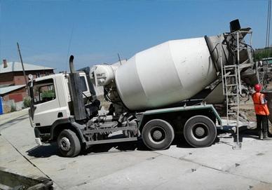 Доставка бетонной смеси на строительную площадку шпаклевка для стен из цементного раствора